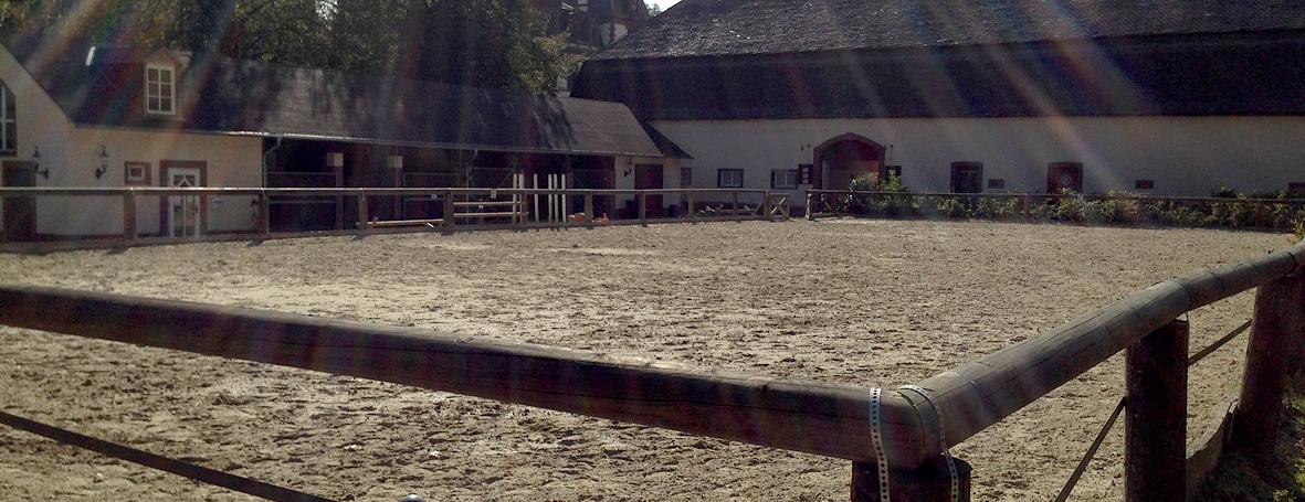 Schloss Ahrenthal Reitanlage